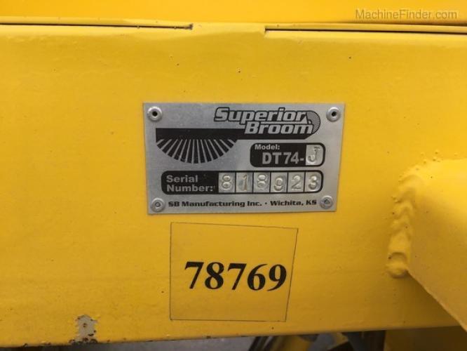 Superior Broom DT74J