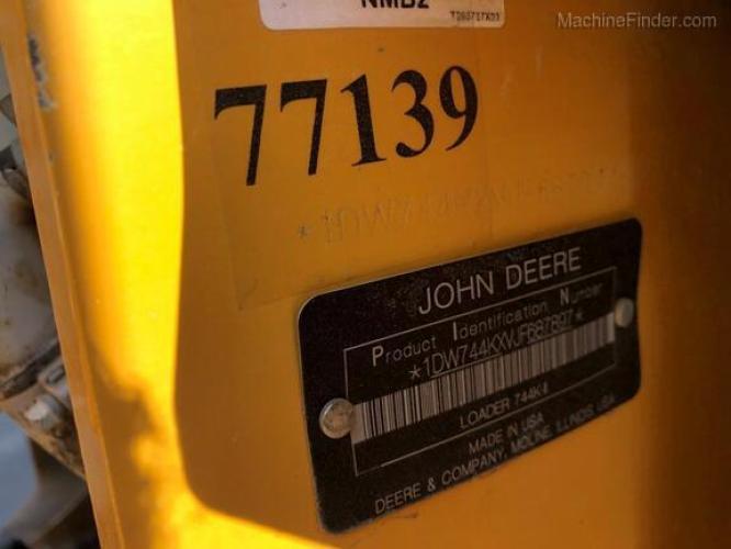 John Deere 744K